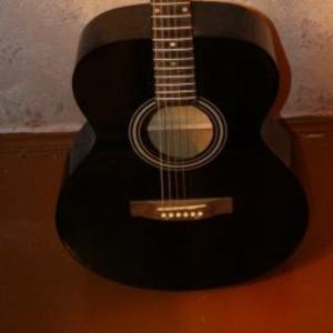 Продаю чёрную гитару!